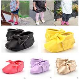 Wholesale Purple Baby Crib - Unisex Shoes Tassel Toddlers Baby Moccasin Soft Soledl Leather Crib Shoes Prewalker Bow Shoe First Walkers Free Shipping