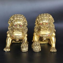 Löwe foo fu hund statue online-Chinese FengShui Messing Foo Fu Hund Bewachung Lion Beast Play Ball Statue Pair Heimtextilien