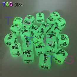 Wholesale Low Priced Adult Sex Toys - Wholesale- Lowest Price 1PC Sex Funny Noctilucent Adult Glow Dice Game Love Humour Gambling Romance Erotic Crap Toy