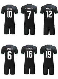 Wholesale Bale Clothes - 2017-2018 Real Madrid soccer jerseys set clothing uniforms Ronaldo Benzema Bale Kroos football wear short sleeve