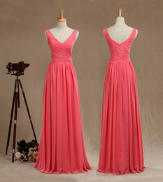 2017 simple ruching chiffon dress Coral A-ligne V Neck Straps Robe de demoiselle d'honneur Robe de soirée en mousseline de soie avec Ruching V Back Ruffle Prom Dress Real Pictures simple ruching chiffon dress pas cher