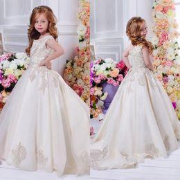 Wholesale 3d Girl Image Red Blue - Arabic Dubai 2017 Wedding Flower Girl Dresses with 3D Floral Lace Appliques Satin Sweep Train Child Pageant Dress Little Kids Girl Communion