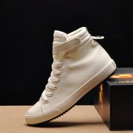 0e941f1fb Nova Primavera / Outono Dos Homens Sapatos Casuais Respirável Preto  High-top Lace-up Sapatos de Lona Alpercatas Moda Apartamentos dos homens  Brancos