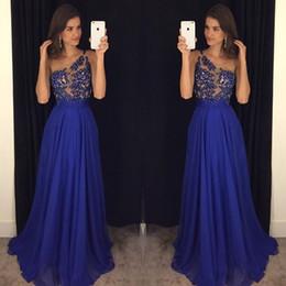 2019 um ombro tops noite Royal Blue One Shoulder Evening Dresses 2017 Vintage Lace Top com pérolas A Line Chiffon Skirt Prom Vestidos de festas Runway Fashion Dresses um ombro tops noite barato