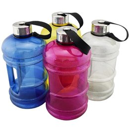 Material de tapa de botella online-10pcs 2.2L de gran capacidad BPA botella de agua plástica libre Sports Fitness Workout Cap Kettle Gym Training Material PETG botellas de bicicleta
