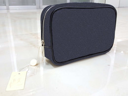 Wholesale Zipper Pouch Designer - High quality new designer fashion men travel toilet pouch women cosmetic organizer make up bag famous classical brand toiletry bag