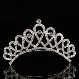 Wholesale Indian Tiaras - Luxury Crystal Tiaras Bridal Wedding Jewelry Hair Combs Rhinestone Pearl Crown Hair Combs bridesmaid headpieces Princess crown for Party