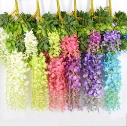 Künstliche lila wisteria reben online-Künstliche Hochzeitssträuße Lila Seidenblumen Wisteria Vine Gefälschte Blume Rattan Für Zuhause Mittelstücke Bouquet Dekorationen Neue 2 35qm2 R