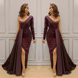 Wholesale Celebrity Black Dresses One Shoulder - Sexy One Shoulder Long Sleeve Dresses Evening Wear With Overskirt Lace Applique Side Split Mermaid Prom Dress New Arrival Celebrity Dresses