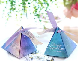 Wholesale Triangle Favour Box - High Class Triangle Wedding Favors Gift Boxes 2017 Top Quality New Arrival Hard Card Paper Made Favor Holders Favour for Candy