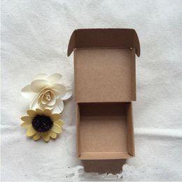 Картонная упаковка онлайн-Мода новый 7. 5X7. 5x3CM небольшой коричневый крафт-бумага коробка коробка упаковка коробки для подарка свадебные конфеты телефон аксессуары