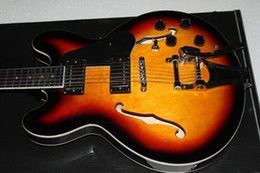Wholesale G String Usa - 2011 G Custom 335 NEW USA KING LUCILLEVIBRATO ELECTRIC GUITAR in stock 1