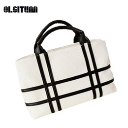 Wholesale Color Block Purses - OLGITUM New 2017 Hot Sale Tote Women Shoulder Color Block Bags Ladies Party Purse Wedding Clutches Famous Popular Handbags F093