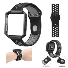Wholesale Silicone Watches Packaging - Fitbit Blaze Silicone Sport Watch Band with Ventilation Holes Smart Fitness Bracelet Strap Replacement Wristband Retail Package