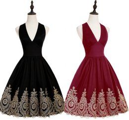 Wholesale Vintage Little Girl Photo - Sexy Charming Cocktail Dresses 2017 V Neck Backless A Line with Gold Appliques Knee Length 15 Girls Prom Party Gowns CPS570