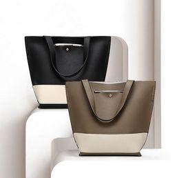 Wholesale Direct Hits - Factory direct 2017 new women's bag European and American fashion hit color PU bucket bag shoulder Messenger bag