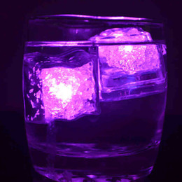 Wholesale Plastic Ice Cubes - Flashing Ice Cube Mini Romantic Luminous LED Light Artificial Block Wedding Party Decor 7 Color Auto Select 0 98bq F