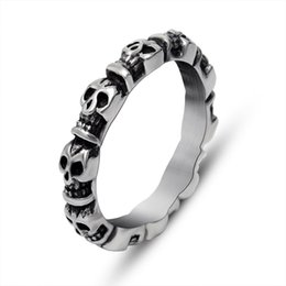 Wholesale Individual Gifts - Retro Skulls Full Circle Finger End Ring Rings Men and Women Wearing Rings Individuals Individual Tide Men's Rings