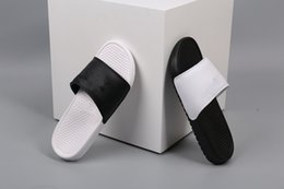 Wholesale Women Floral Sandals - Wholesale Black White Slippers Hydro sandals men women running casual shoes sports sneakers trainers cheap discount 2017 size 5.5-10 36-44