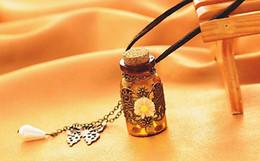 alice wonderland platten Rabatt Weinlese-Schmetterlings-Blumen-Anhänger, der Glasflaschen-Leder-Halsketten-Legierung wünscht