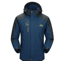 Wholesale wind windbreaker jacket - 2017 New Spring Autumn Mens Softshell Hiking Jackets Male Outdoor Camping Trekking Climbing Coat For Waterproof Windproof VA002