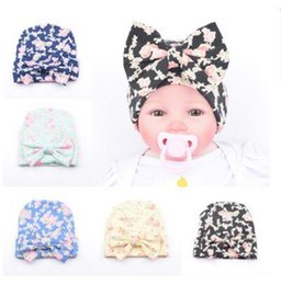 Wholesale Girls Flower Beanie - Hats Flower Bowknot Baby Girls Infant Newborn Cotton Printing Beanies Hat Birthday Gifts Hats Hair Accessory Boutique Winter Beanie Capes