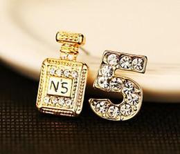 Canada European 18K Gold plaqué asymétrique boucles d'oreilles pour les femmes Zircon Numéro 5 et bouteille de parfum Fine Jewelry supplier european number plates Offre