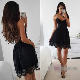 Wholesale sweet little - 2018 Black Mini Short Homecoming Dresses V-neck Lace Sweet 16 Graduation Dresses Little Black Short Prom Party Dresses Vestido De Fiesta