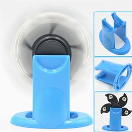 Wholesale Toy Display Stands - Fidget Spinner Plastic Display Stand Holder EDC Clear Creative Gyroscope Stents Tri Hand Spinner Desktop Toy Bracket
