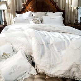 Wholesale Lace Cotton Twin Sheets - Wholesale- French 800TC Satin Embroider Wedding Luxury Lace High-end 60s Egyptian Cotton Bedclothes Bedding set Duvet Cover Bed Sheet