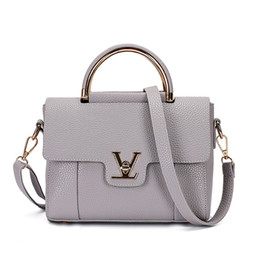 Wholesale Office Shoulder Bag - 2017 Women V Letters Saffiano handbags Women Leather Commuter Office Ring tote bag Women's Pouch Bolsas Famous Ladys V Flap bag