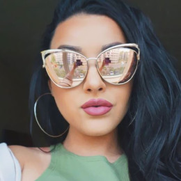 Wholesale Sexy Mixed Big Woman - Wholesale-Vintage Women Cat Eye Sunglasses Hollow Sunglasses Sexy Celebrity Female Shades UV400 Mirror Retro Style Cateye Big Sun Glasses