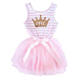 Kaiserliche kleider online-Großhandels-0-24M Kleinkind-Kind-Streifen-Kaiserkrone-Druck-nette neugeborene Kleider für 1-jähriges Baby-Taufgeschenk Geburtstags-Geschenk mit Band-Bogen