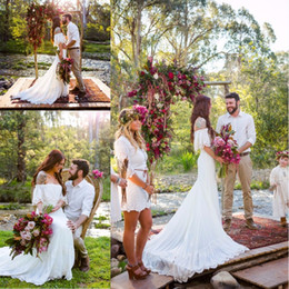 Wholesale Romantic Country - 2017 New Bohemian Wedding Dresses Off Shoulder Romantic Beach Country Wedding Gowns Sweep train Bridal Gowns