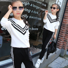 Wholesale Teenage Suits For Boys - Wholesale- little teenage girls autumn tracksuits sets 2016 kids sports suits long sleeve tops t shirts pants sets for girl black white