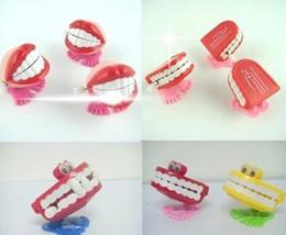 латунный военный Скидка Новый прыжок зубы творческие игрушки дети заводной смешно прыгать рот заводной игрушки