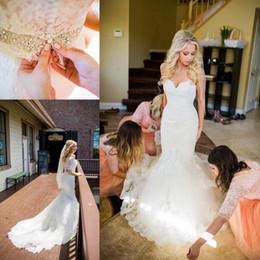 flare fit vestido de noiva ruffle Desconto Incrível Sereia Cheia Vestidos De Casamento Do Laço Destacável Metade Mangas de Cristal Frisado Sash Botão Coberto Namorada Vestidos De Noiva Custom Made
