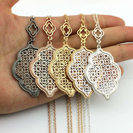 Wholesale Gold Filigree - Christmas Gift Hot Selling Gold Silver Rose Black Cut Out Filigree Quatrefoil Statement Necklace Hollow Clover Long Chain Pendant Necklace