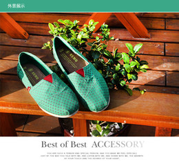 Wholesale Cheap School Girl Free Shipping - Wholesale chaep TMO flat shoes women canvas shoes slip-on flat light school style cheap girls leisure shoes green spots 35-40 free shipping