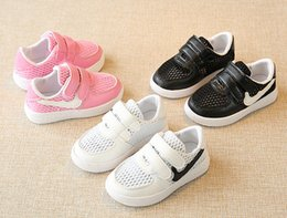 Wholesale Newborn Girl Baby Shoes - 2017 summer New baby boys and girls shoes 1 to 3 years old children's casual sports shoes newborn toddler shoes fashion kids sneakers