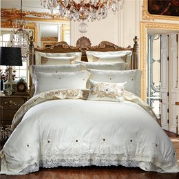 Wholesale Western Queen Bedding - Wholesale- 4 6 Pcs Western White Lace Luxury Wedding Bedding Set Queen King Size Royal Bed set Duvet Cover Bed sheet Flat Sheet Sets