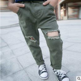 Wholesale Boys Elastic Waist Cargo Pants - Children's Canvas Hole Pant New 2017 Spring and Autumn Boys Fashionable ArmyGreen Solid Color Size3-8 Leisure Trousers ly323