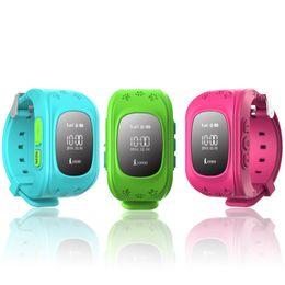 Rastreador de relógio de gps on-line-Q50 gps tracker watch for kids sos emergência anti lost pulseira pulseira em dois sentidos de comunicação telefone inteligente app dispositivos wearable localizador oled