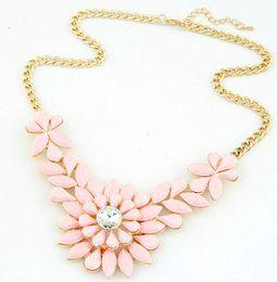 Wholesale Light Acrylic Necklace Flower - 2017 Fresh Color Gemstone Necklaces Women Fashion Short Necklace Beige Pink Light blue Colors Girls Pendant Necklace 10PCS