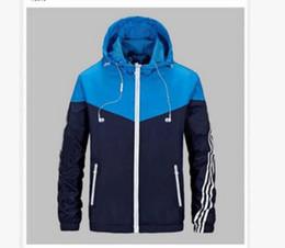 Kaufen Sie im Großhandel Modell Mann Jacke 2019 zum verkauf