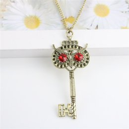 Wholesale American Owls - Vintage Fashion Owl Pendant Necklaces Red Eye Alloy Bronze Key Necklace For Women Long Necklace Gift