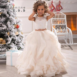 2019 filet de fille d'anniversaire 2017 New Lace White Ivory Flower Girls Robes Sheer Jewel Neck With Sash Ruffles Party Princess Kids Party Birthday Communion Gown BA2194 filet de fille d'anniversaire pas cher