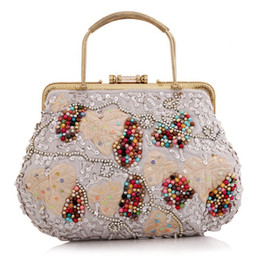 Wholesale Baroque Phone - New Retro Wrist Bag Handmade Shopping Bag Embroidery Handbag Flower Bridal Party clutches chain Baroque Evening Bag bolsa Li352