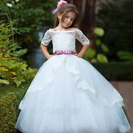 Wholesale Holly Flower - Vintage Ball Gown Boat Neck Short Sleeve Flower Girls Dresses Bow Ribbons Lace Appliques Tiered First Holly Communion Dress Sweep Train