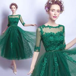 Canada Dentelle verte Halter dîner effectuer spectacle 3/4 longueur robe de mariée mariée avec manches longues robe sequins Offre